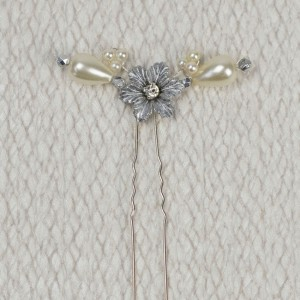 Edie - Petite Flower Hair Pin