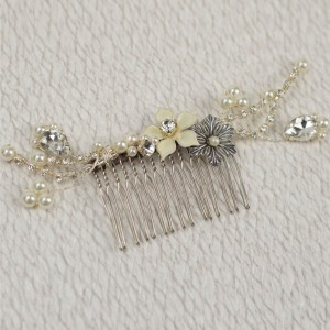 Nelle - Adorned Crystal Trailing Comb