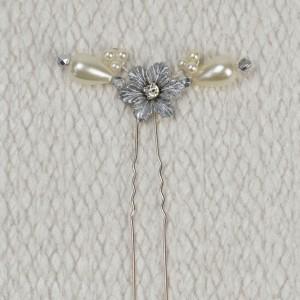 Edie - Petite Flower Hair Pin